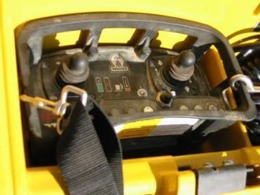 Råjordskompaktor knækstyret + fjernbetj - Houmann Materieludlejning A/S